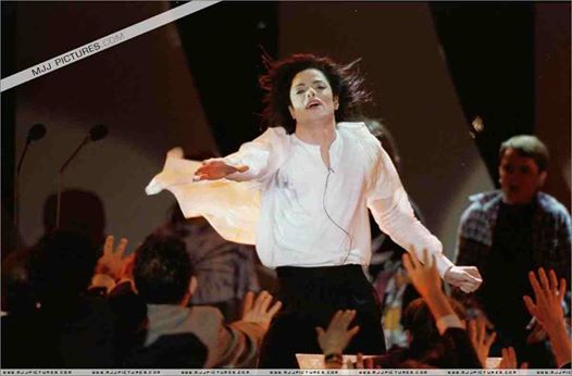 earth song eight