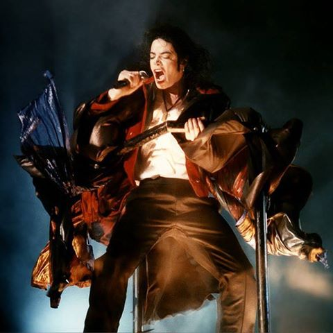 earth song performance five