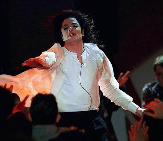 EARTH SONG PERFORMANCE SIX