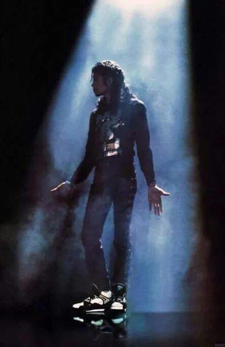 Dancing the Dream | Michael Jackson Chosen Voices
